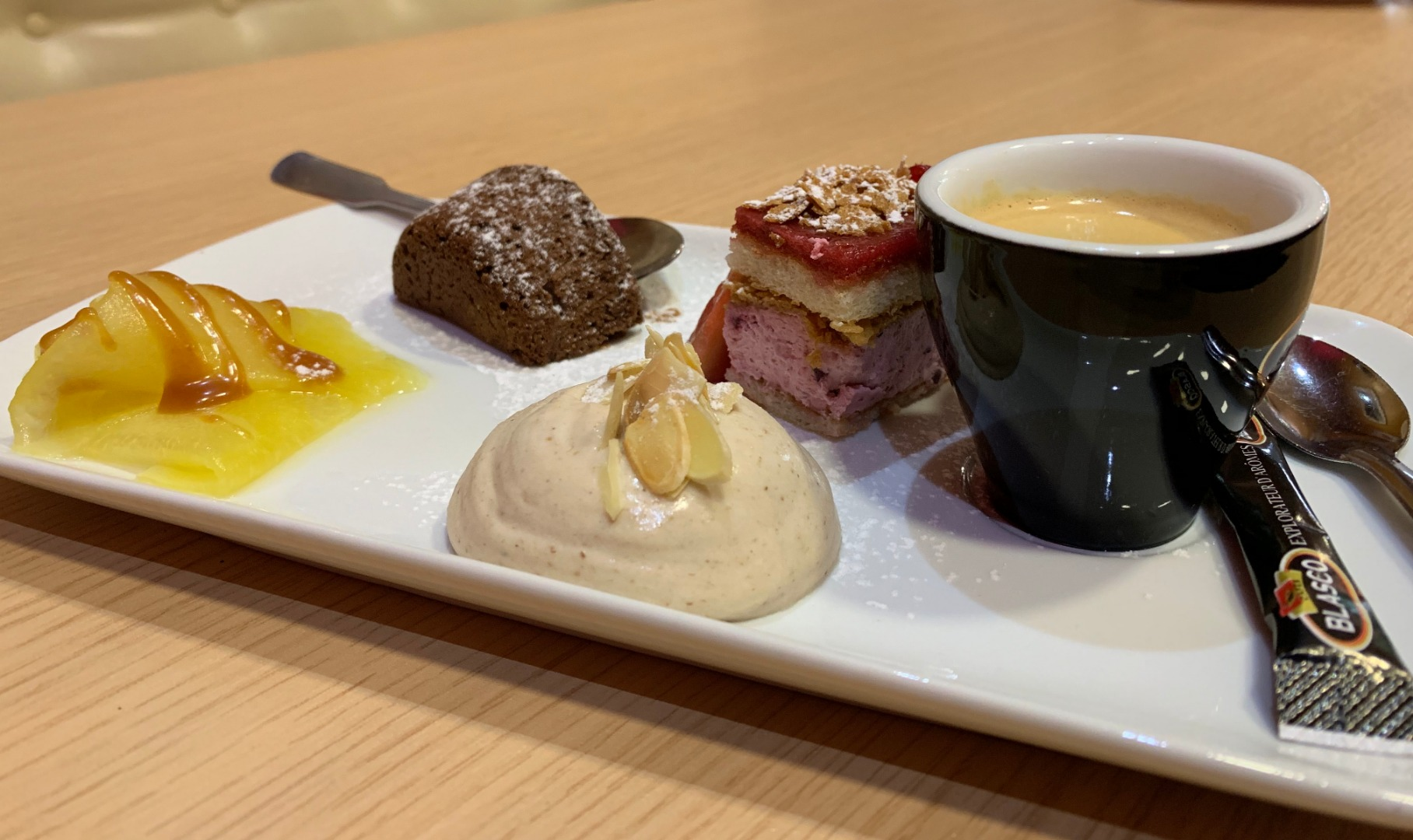 Café gourmand - Hôtel-Restaurant Le Bellevue