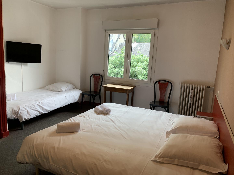Chambre 3 personnes - Hôtel Le Bellevue